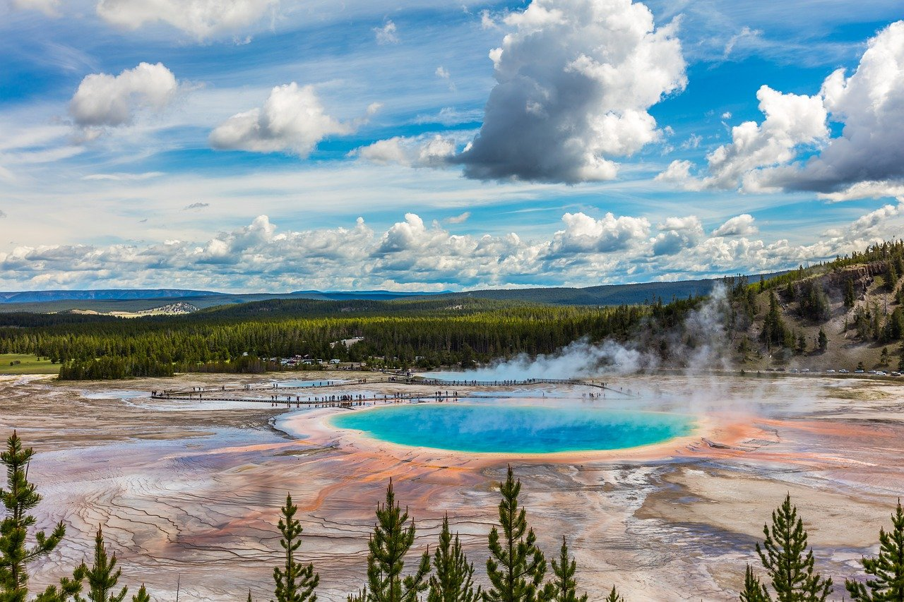 Yellowstone National Parks Day Trips
